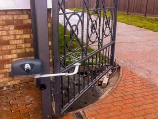 Автоматика для распашных ворот, открывающихся наружу